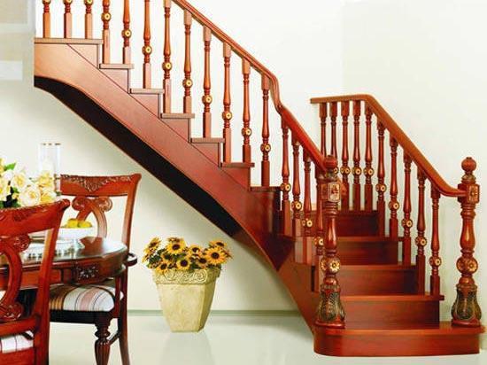 Mẫu cầu thang gỗ đơn giản