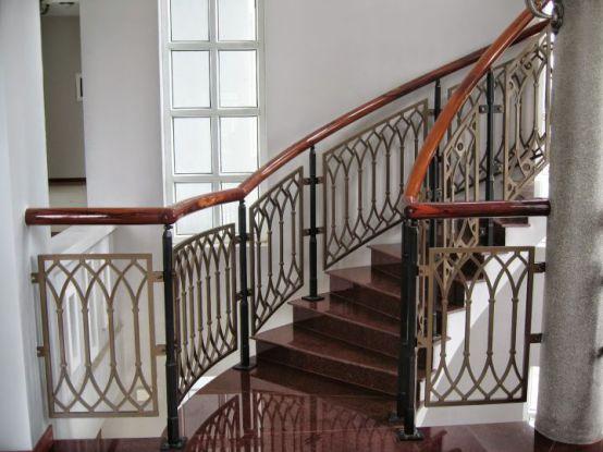 Mẫu cầu thang sắt tay vịn gỗ đẹp -> Hình 6