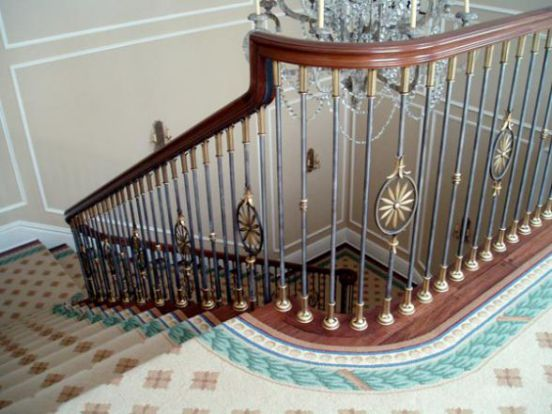 Mẫu cầu thang sắt tay vịn gỗ đẹp -> Hình 8