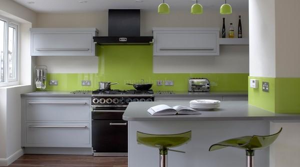 Mẫu nhà bếp màu xanh lá cây mang lại sự tươi mát cho không gian nhà bếp - Hình 2