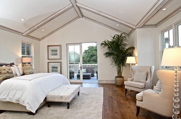 Gác lửng được thiết kế 1 phòng ngủ, cách trang trí thẩm mỹ.