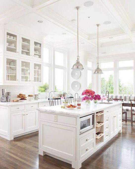 Mẫu Tủ Bếp Đẹp Với Màu Trắng Tao Nhã - Hình 2