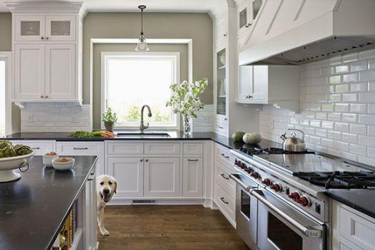 Mẫu Tủ Bếp Đẹp Với Màu Trắng Tao Nhã - Hình 14